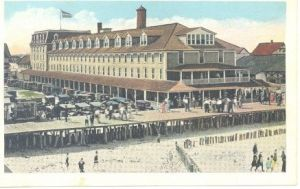 OCEAN CITY Maryland beach, boardwalk without railings, car park and hotel - the Atlantic, 1910.